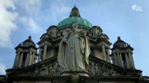 اسکرین-شات-Britains-Most-Historic-Towns-Series-1